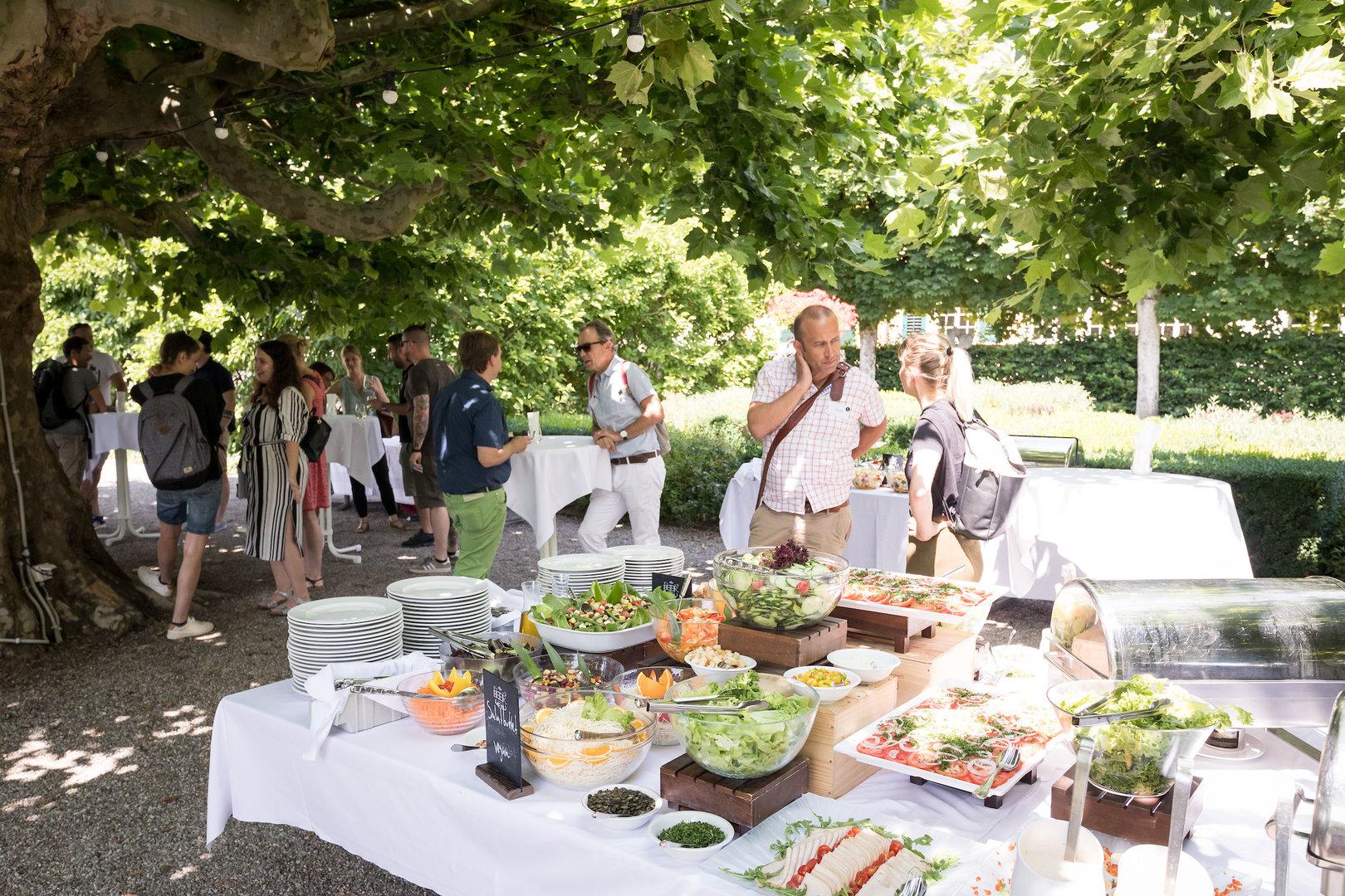 Das reichhaltige Buffet vom Palais Besenval, auch Vegetarier*innen und Veganer*innen kamen voll auf ihre Kosten.