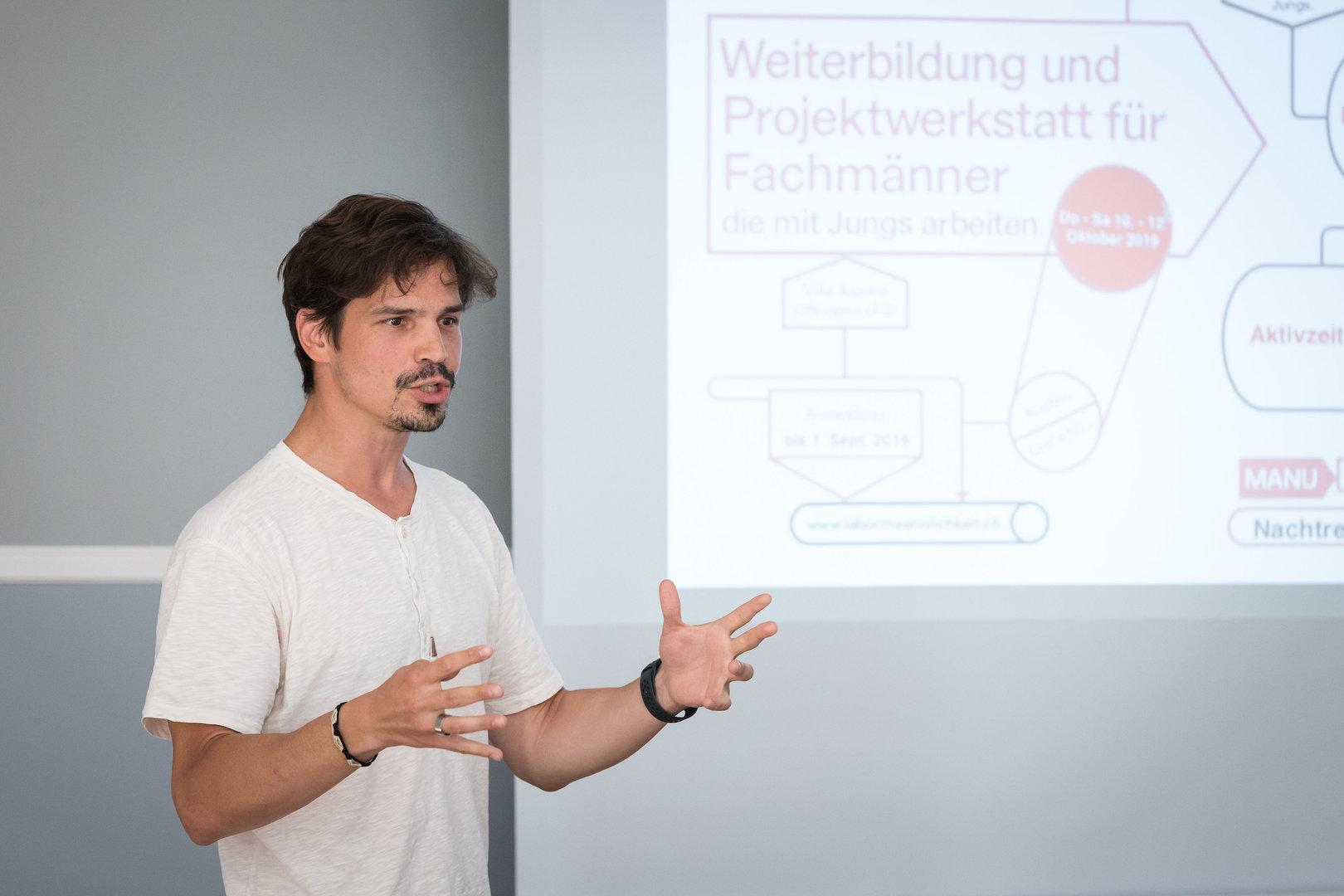 """Nachmittags-Workshop: """"Geschlechtssensible Arbeit mit Jungs"""" (Fabian Büechi vom Verein Labor Männlichkeit)"""